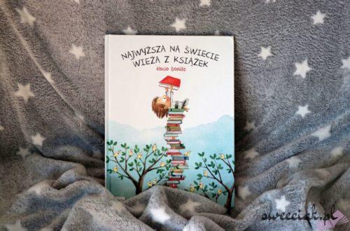 """""""Najwyższa na świecie wieża z książek"""" - Rocio Bonilla"""