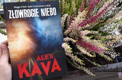 """""""Złowrogie niebo"""" - Alex Kava"""